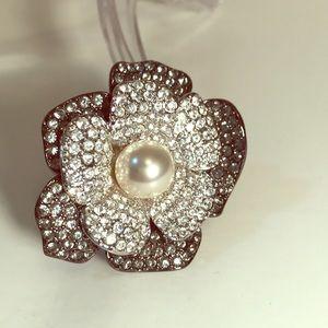 Double-Flower Pearl Brooch - KJL